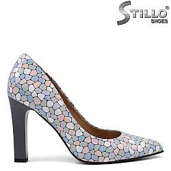 Елегантни обувки на висок ток с цветна мозайка - 34841