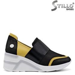 Спортни обувки на платформа в жълто и черно - 34851