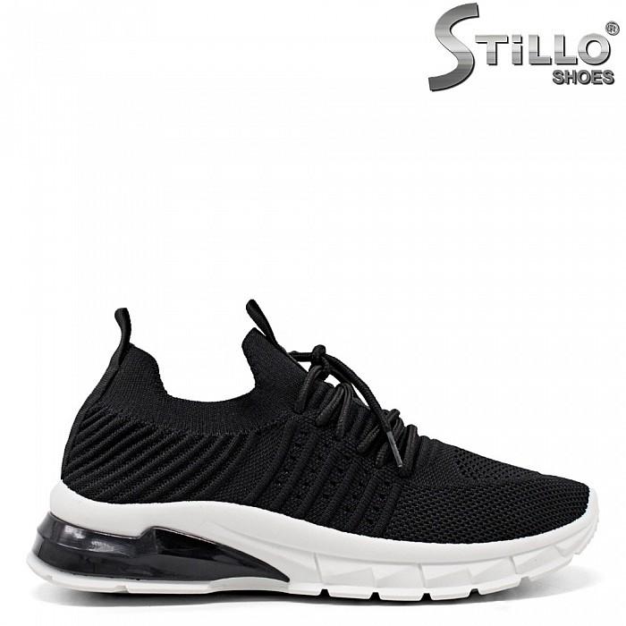 Леки спортни обувки в черен текстил - 34888