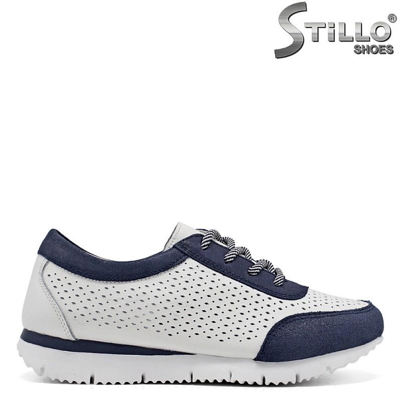 Спортни обувки в бяло и синьо с връзки - 34894