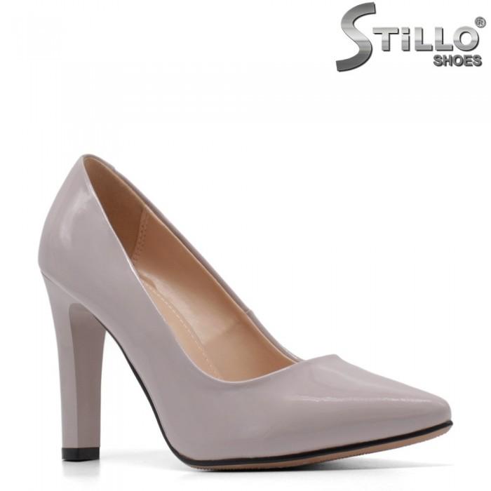 Сиви елегантни обувки на ток - 34902