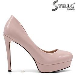 Розови лачени обувки на платформа и ток - 34907