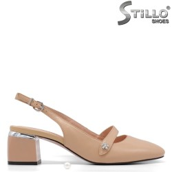 Дамски бежови обувки с отворена пета - 34908