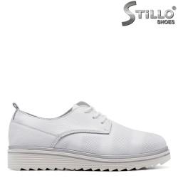 Спортни обувки на платформа в бяла кожа - 34916