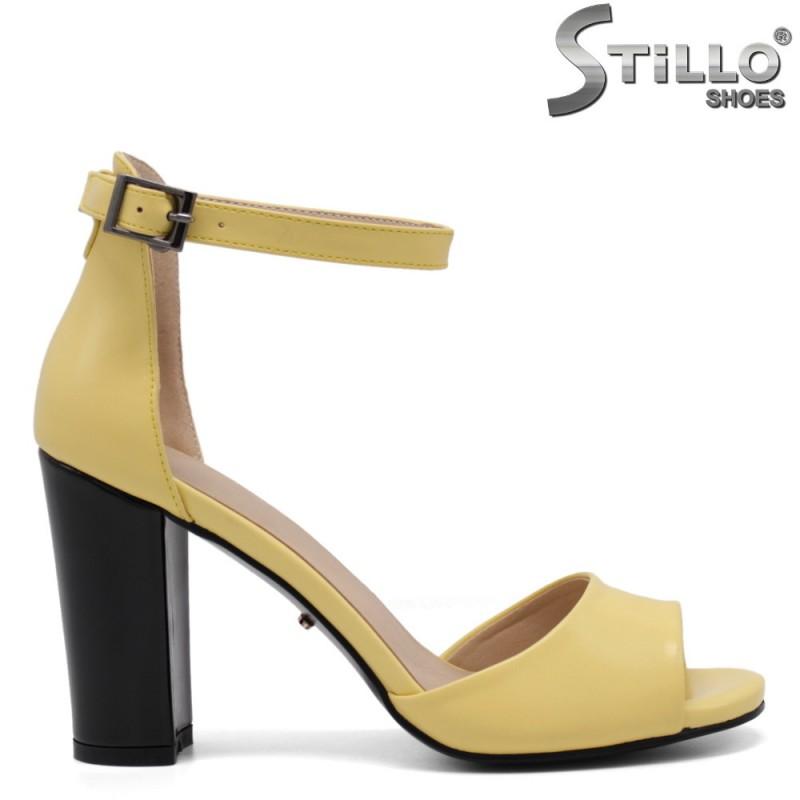 Жълти дамски сандали на висок ток - 34937