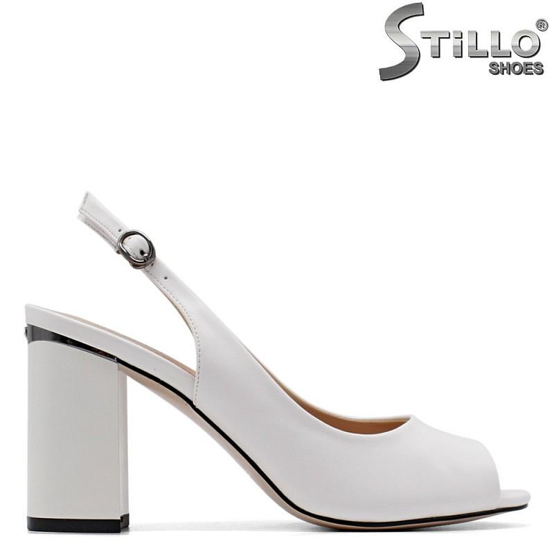 Бели дамски сандали на висок стабилен ток - 34954