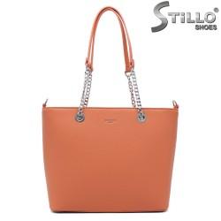 Дамска чанта в прасковено - 35004