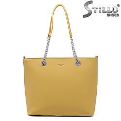 Жълта чанта със синджири - 35007