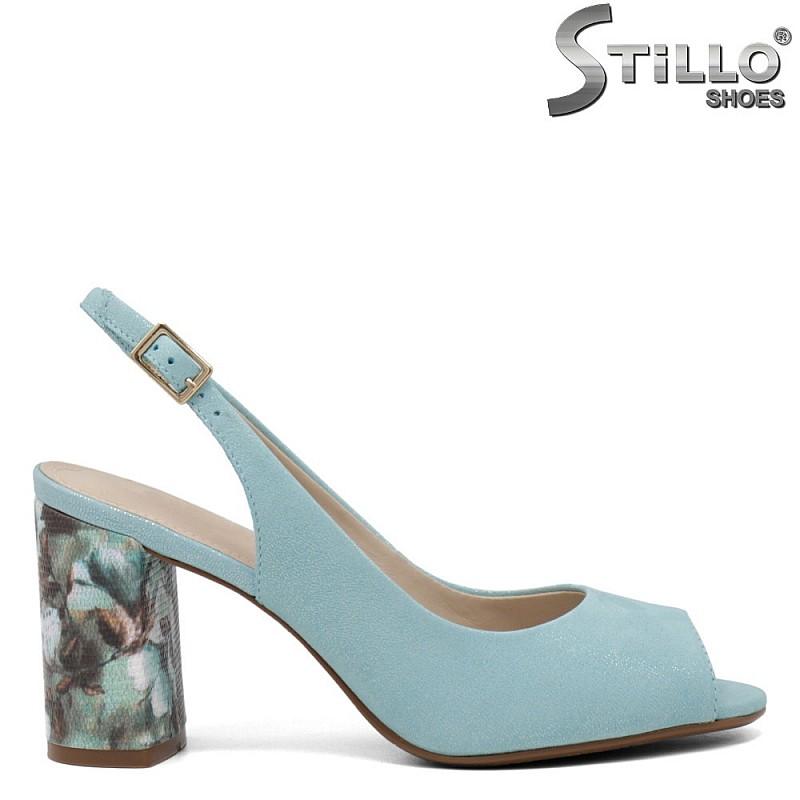 Зелени сандали с флорален ток - 35073