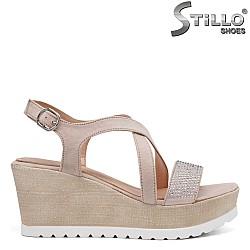 Дамски сандали с камъчета на платформа - 35091