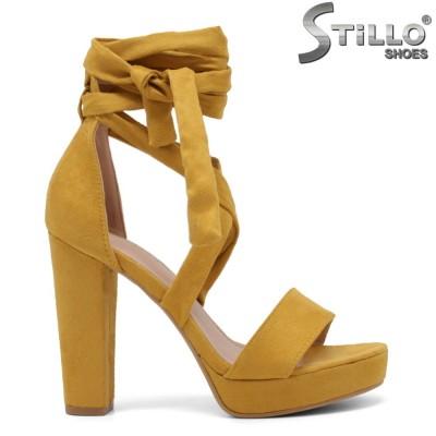 Жълти сандали с връзки около крака - 35092