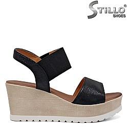 Дамски сандали на платформа - 35102