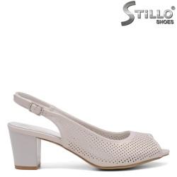 Дамски сребърни сандали с перфорация - 35105