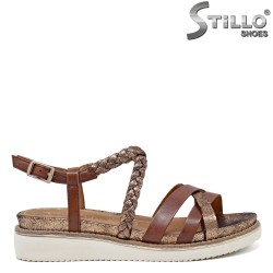 Естествена кожа сандали Тамарис в кафяво и медно - 35108