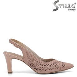 Перфорирани немски обувки с отворена пета Tamaris - 35115