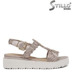 Златисти сандали с платформа Тамарис - 35125