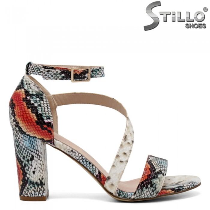 Дамски сандали с цветен змийски принт - 35147