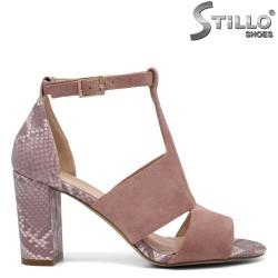 Розови сандали на ток със змийски мотив - 35152