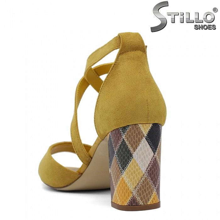 Жълти сандали с цветен ток - 35153