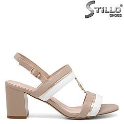 Дамски елегантни сандали в бежово и бяло - 35173