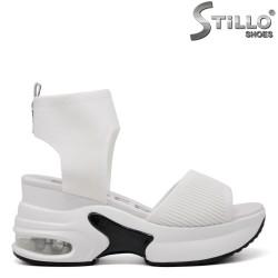 Бели спортни сандали на платформа - 35188