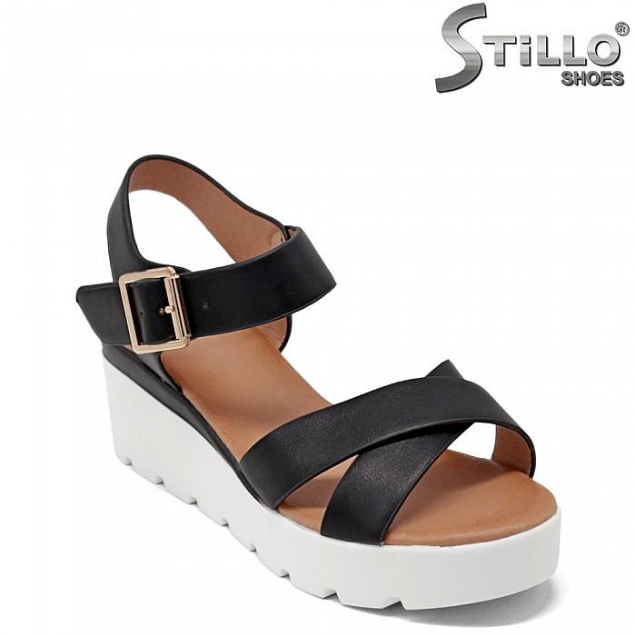 Дамски сандали в черна кожа на платформа - 35192