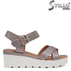 Бронзови сандали с кръстосани каишки - 35194