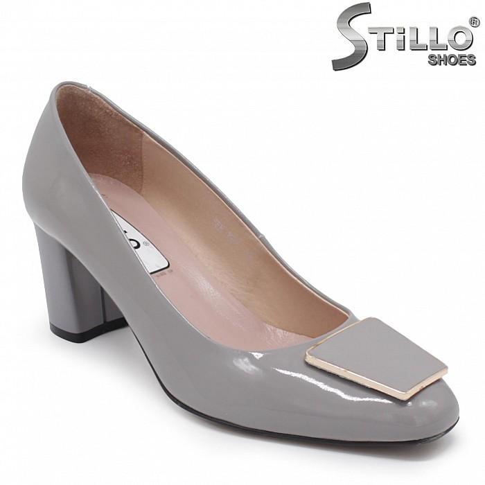 Сиви обувки STILLO от естествен лак на ток– 28382