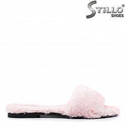 Розови пухкави чехли – 29354