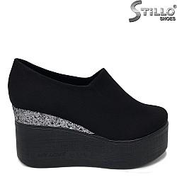 Обувки на висока платформа - 34288
