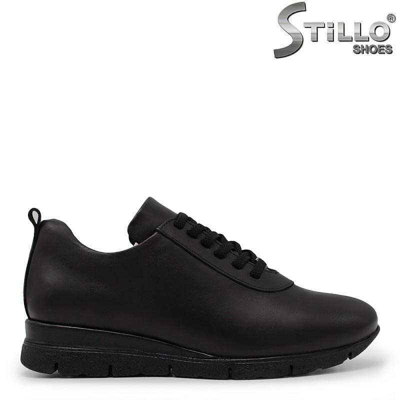 Дамски спортни обувки от естествена кожа - 34772