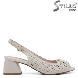 Естествена кожа сандали на среден ток - 35201