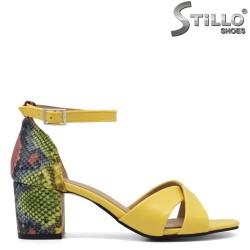 Жълти сандали със змийски ток - 35203