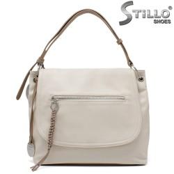 Бежова дамска чанта тип торба - 35212