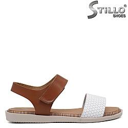 Испански  сандали в бяло и кафяво - 35230