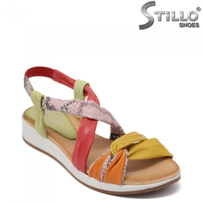 Мултиколор анатомични сандали със змийски принт - 35231