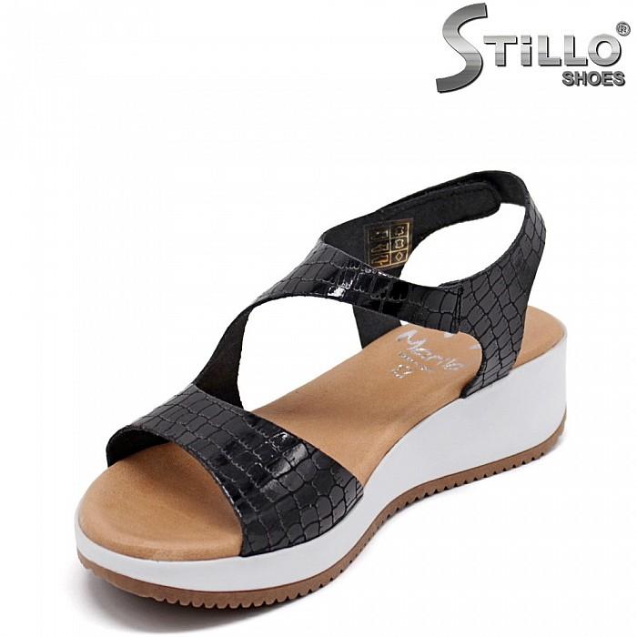 Кроко сандали на платформа - 35235