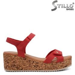 Червени сандали на корк платформа - 35237