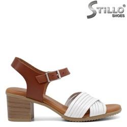 Дамски сандали на среден ток от естествена кожа - 35238