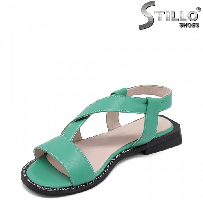 Зелени равни сандали от естествена кожа - 35242