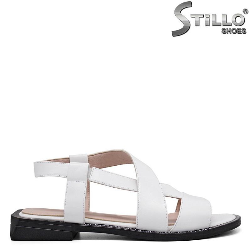 Бели дамски сандали от естествена кожа - 35243