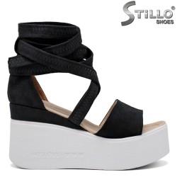 Велурени сандали на платформа - 35248