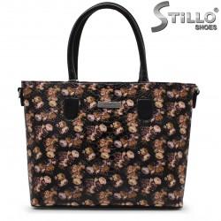 Чанта в лак на пъстри цветчета - 35269