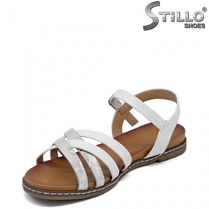 Бели равни дамски сандали - 35295
