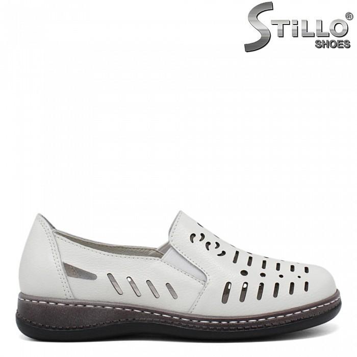 Естествена кожа бели перфорирани обувки - 35301