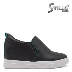 Дамски спортни обувки с платформа- 35319