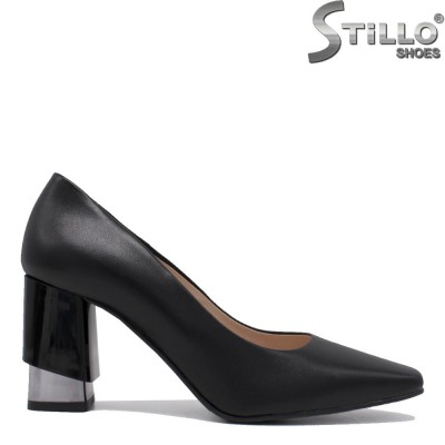 Кожени обувки с квадратен връх на ефектен ток - 35396