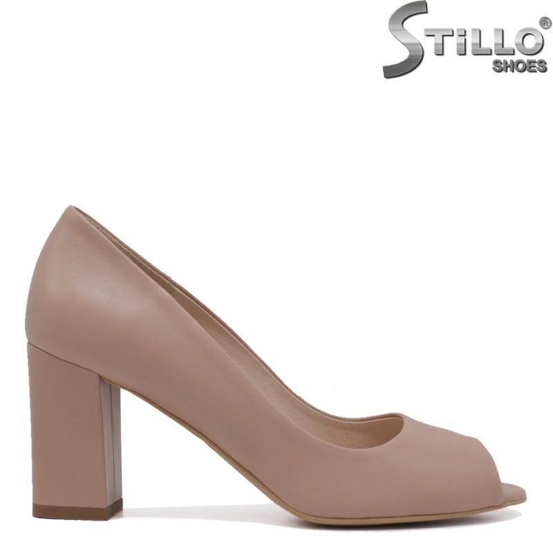 Бежови обувки от естествена кожа  на ток - 35398