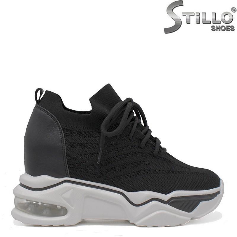 Спортни обувки от текстил на платформа - 35400