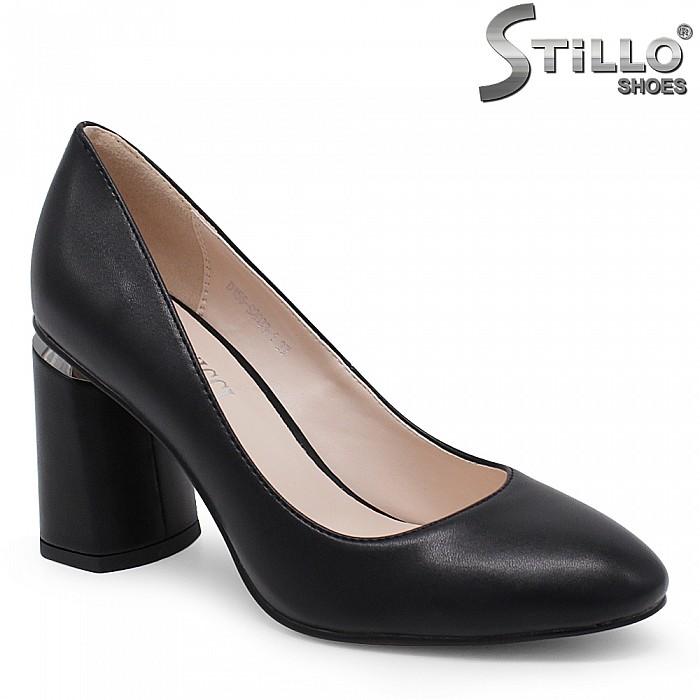 Дамски обувки с висок дебел ток - 35406